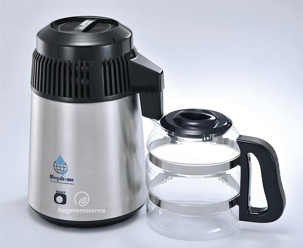 Un distillateur d'eau pour supprimer les polluants.