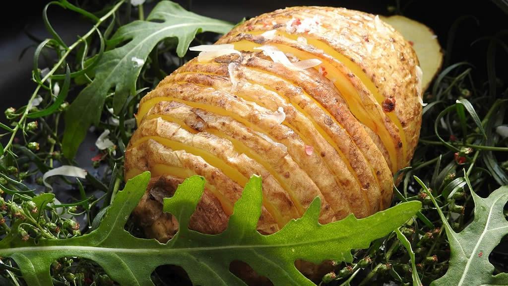 Pomme de terre Hasselback et sa ratatouille
