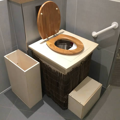 projet-toilettes-seches-adaptable-1