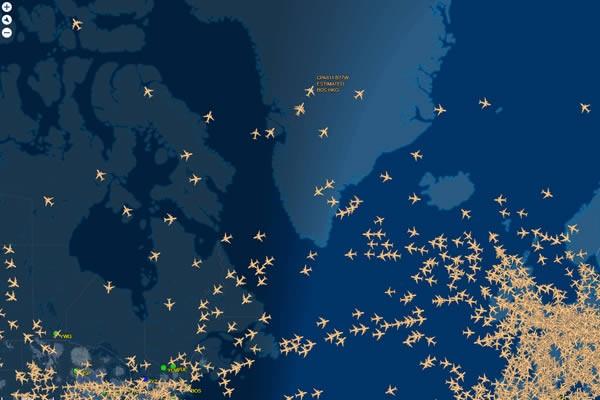 La route des vols commerciaux de l'Asie vers l'Amérique du Nord passe au dessus du pôle Nord.